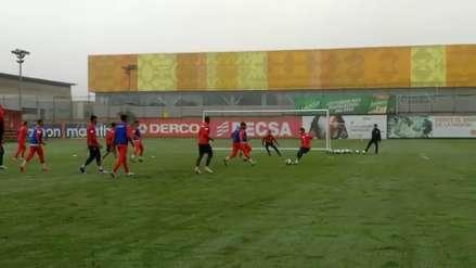 ¡Afinado de cara a los amistosos! El gol de Edison Flores en las prácticas de la Selección Peruana