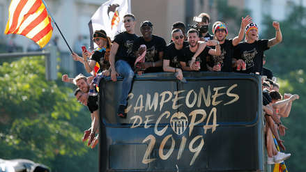 ¡Fue una fiesta! Hinchas abarrotaron el estadio de Valencia para recibir a sus ídolos