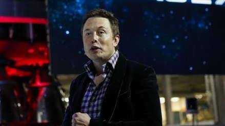 Los trenes deberían estar en la superficie y los autos debajo de ella, según Elon Musk