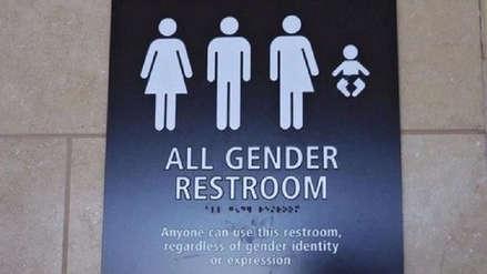 Estudiantes transgénero pueden elegir el baño que coincida con su identidad en colegios de Pensilvania