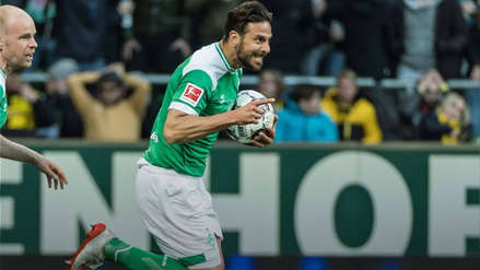 La camiseta de Claudio Pizarro fue la más vendida del Werder Bremen en la última temporada