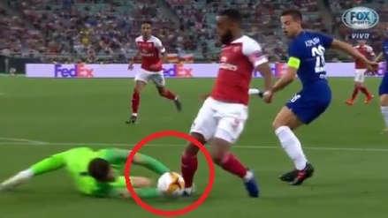 Chelsea vs. Arsenal: Lacazette cayó en el área, pero el VAR no determinó penal