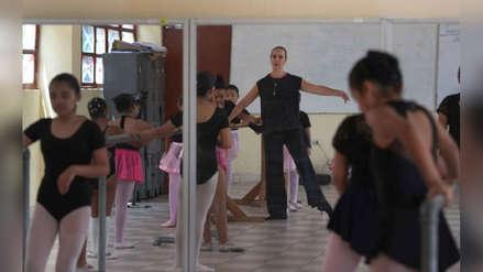 Profesora de ballet da clases gratis a niñas de las comunidades más pobres de Lima y usa la danza como un medio para enfrentar mejor la vida