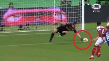 Arsenal: Petr Cech se lució con una gran atajada ante Chelsea en la final de la Europa League
