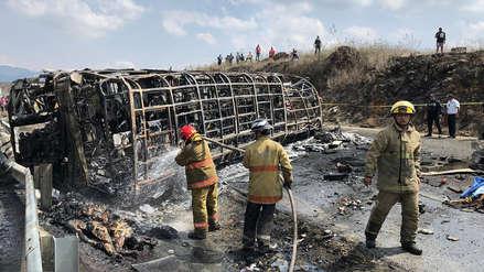 Trágico accidente en México: 21 personas murieron por choque entre bus y camión