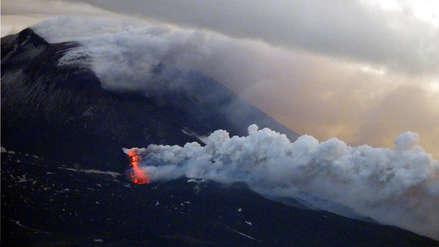 Alerta en Sicilia: Volcán Etna entra nuevamente en erupción con flujos de lava [VIDEO]