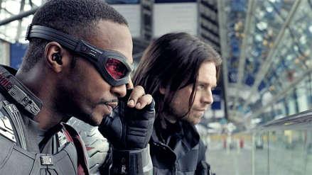 Actor que da vida a Bucky explicó por qué el Capitán América le dio el escudo a Falcon