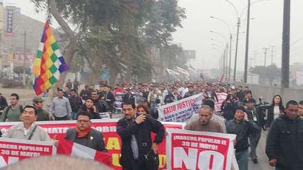 Cientos de vecinos marchan por la Panamericana Norte contra el peaje de Puente Piedra [VIDEO]