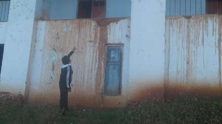 Colegio de Otuzco a punto de colapsar por sismo en Loreto