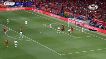 ¡Otra vez Hugo Lloris! Arquero del Tottenham interceptó centro para evitar el segundo gol de Liverpool