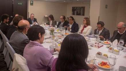 Medios de comunicación se reunieron para discutir la reforma política