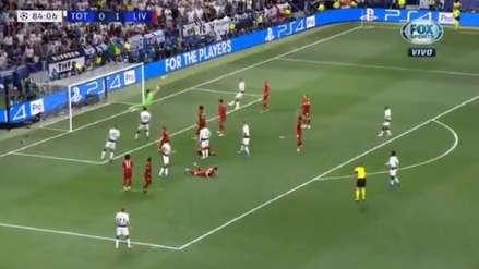 ¡Insuperable! La fenomenal tapada de Alisson Becker para negarle un gol de tiro libre a Christian Eriksen