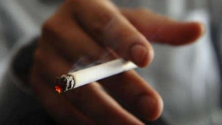 EsSalud advierte que fumar provoca pérdida de dientes, mal aliento y hasta cáncer bucal