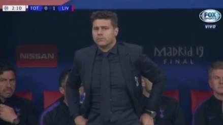 Liverpool vs. Tottenham: así se lamentó Mauricio Pochettino tras el gol de Mohamed Salah