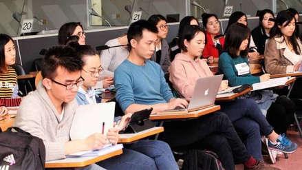 China pide a sus estudiantes evaluar los
