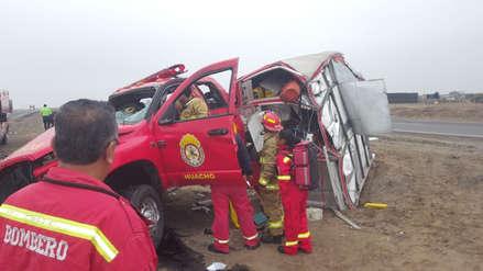 Bomberos sufren accidente de tránsito cuando se dirigían a una emergencia en la Panamericana Norte