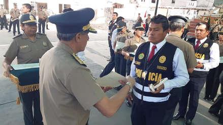 Arequipa | Trece policías recibieron reconocimiento por honrados y acciones valerosas