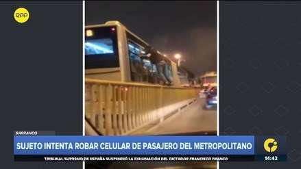 Hombre intentó robar celular de pasajero que iba en bus del Metropolitano con nueva modalidad