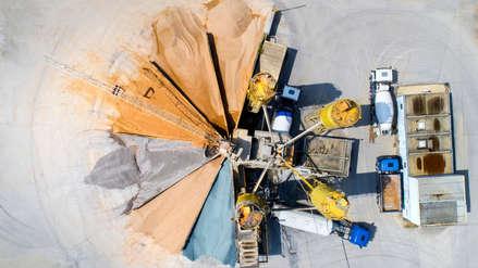 EE.UU. busca minerales raros para evitar que su industria tecnológica sufra por la guerra comercial con China