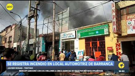 Incendio en local de venta de motores afectó viviendas y negocios cercanos en Barranca