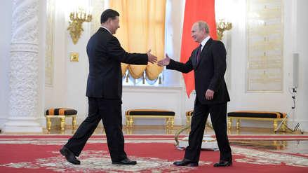 Vladímir Putin recibió en Moscú al presidente de China en medio de tensiones con EE.UU.