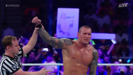 Randy Orton derrotó a Triple H en nostálgica pelea
