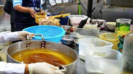 Fiscalía solicitó a la Municipalidad de Lima acciones sobre aceite de restaurantes vertido en desagües