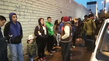 FOTOS | Venezolanos hacen largas colas para tramitar certificado de antecedentes policiales