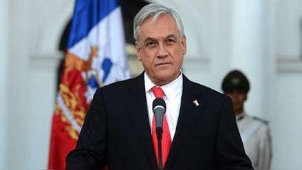 El presidente de Chile destituye a seis ministros en medio de la caída de su popularidad