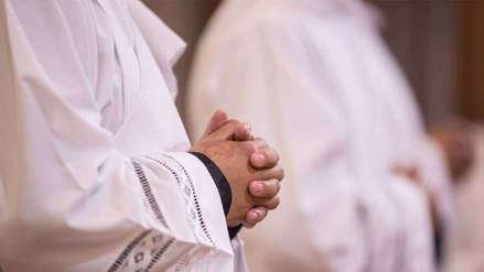 Exseminaristas presentan querella contra dos sacerdotes chilenos por abuso y violación