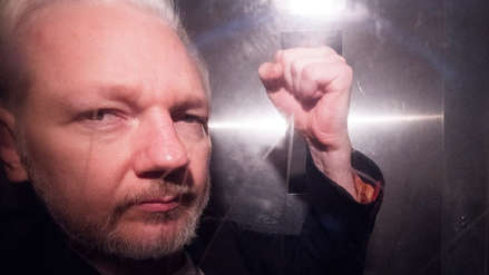Reino Unido firmó orden de extradición de Julian Assange a los Estados Unidos