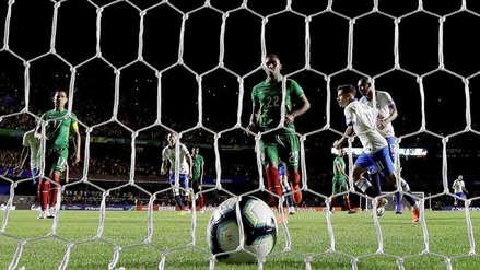 ¡Gol de Brasil! Philippe Coutinho marcó el primero del partido, luego de una consulta en el VAR