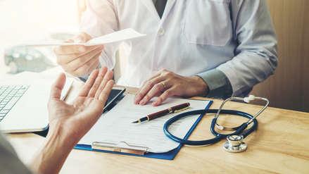 Día del Padre: ¿Qué chequeos médicos debe realizarse un varón a partir de los 40 años para cuidar su salud?