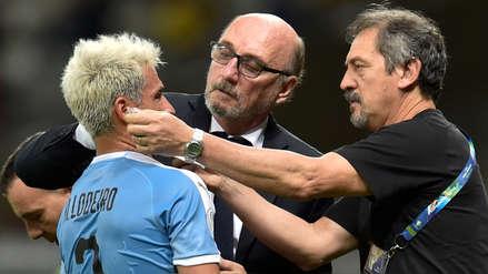 ¡Brutal! El codazo que recibió Nicolás Lodeiro en el partido de Ecuador y Uruguay
