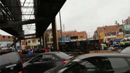 Veinte personas resultaron heridas tras choque de bus de transporte público en avenida Faucett