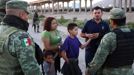 México despliega más de 400 policías en su frontera para frenar a migrantes que se dirigen a EE.UU.