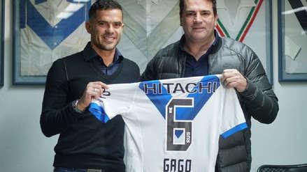 ¡Fue presentado! Fernando Gago será compañero de Luis Abram en Vélez Sarsfield