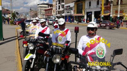 Se pusieron la camiseta: Así patrulló la Policía las calles de Huancayo para alentar a Perú