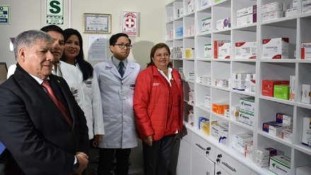 Inauguran primera farmacia universitaria en el Perú con medicinas a bajo costo