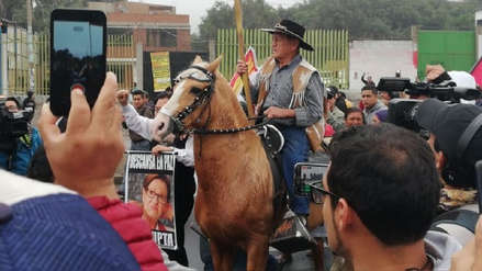 Protesta en Puente Piedra: Ciudadano montado en un caballo participó en reclamo por cobro de peaje