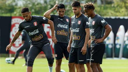 Carlos Zambrano entrenó con normalidad con la Selección Peruana a poco del partido contra Brasil