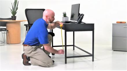 Un experto en ergonomía te dice cómo ordenar tu mesa de trabajo para evitar el dolor de espalda