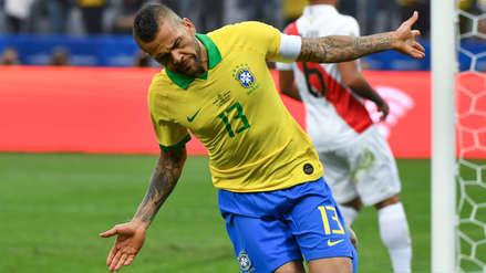 ¡Le reventó el arco! Dani Alves anotó el cuarto gol de la Selección de Brasil tras gran jugada