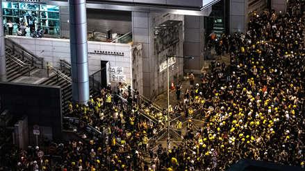 Polémica ley de extradición en Hong Kong | Así fue el asedio de manifestantes al cuartel general de la Policía