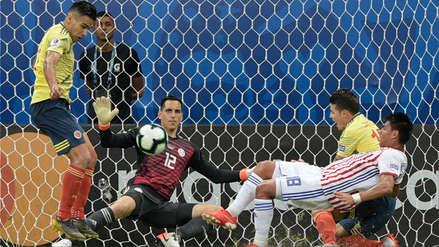 ¿Fue penal? El polémico empujón que sufrió James Rodríguez en el área de la Selección Paraguaya