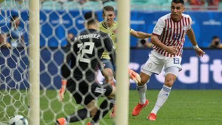 ¡Perú lo celebra! Gustavo Cuéllar anotó el primer gol en el Colombia vs. Paraguay