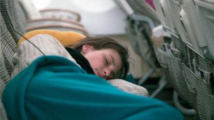 El terrible relato en redes de la mujer atrapada en un avión de Air Canada tras despertar de un vuelo