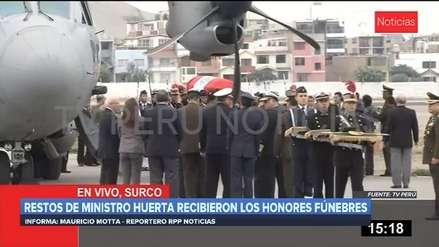 Ministro de Defensa, José Huerta, recibió honores en la Base Aérea Las Palmas