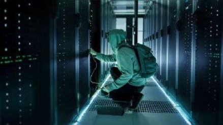 """""""Podrían apagar la red mañana"""": Hackers se infiltran en redes de telefonía para robar datos"""