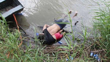 La terrible imagen de un padre y su hija muertos ahogados al intentar cruzar de México a EE.UU.